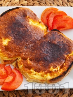 Принцеси - печени филийки с яйце и сирене на фурна - снимка на рецептата